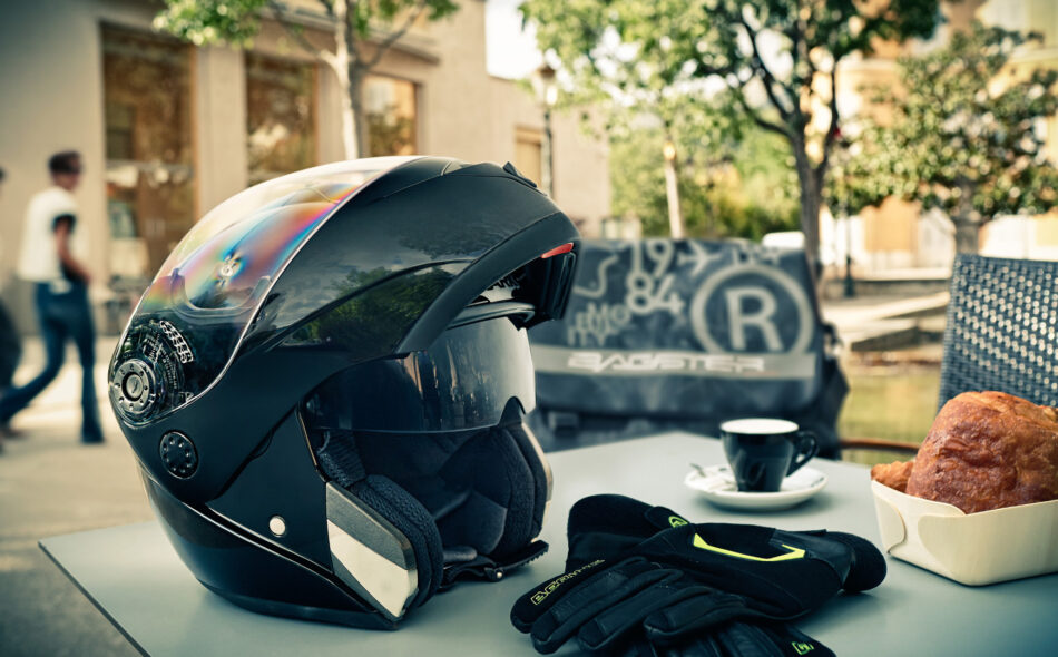 Tips for buying a motorcycle helmet